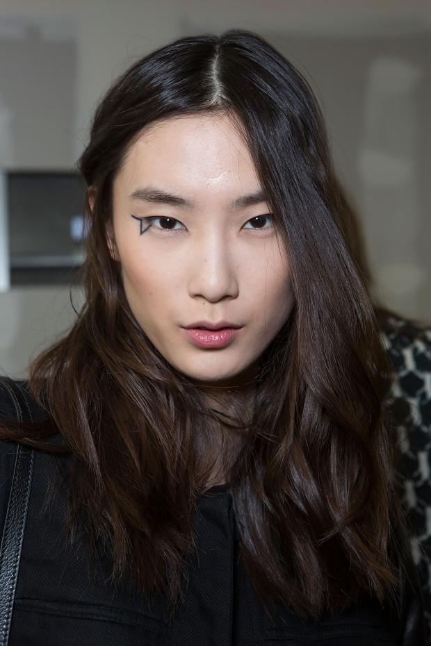 anthony-vaccarello-beauty-autumn-fall-winter-2015-pfw3