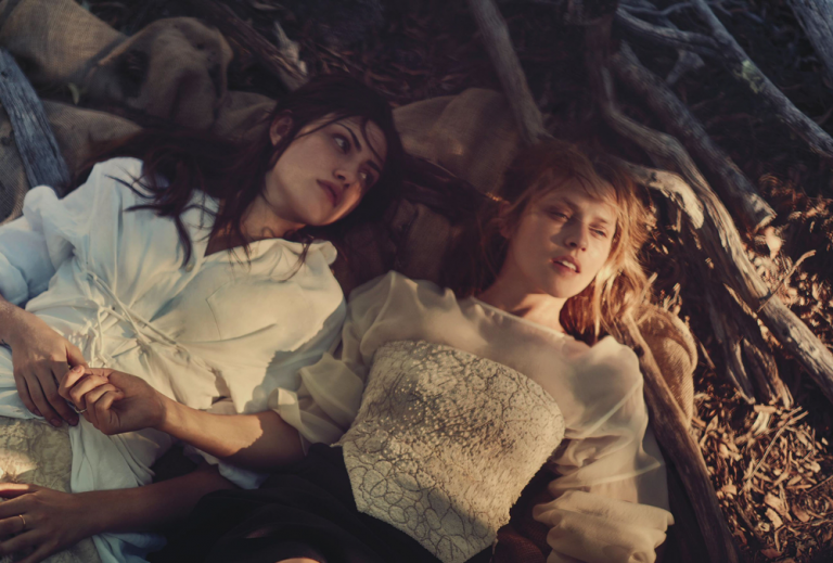teresa-palmer-phoebe-tonkin-by-will-davidson-for-vogue-australia-march-2015-11